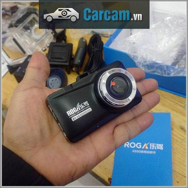 Cận cảnh camera hành trình Roga 650