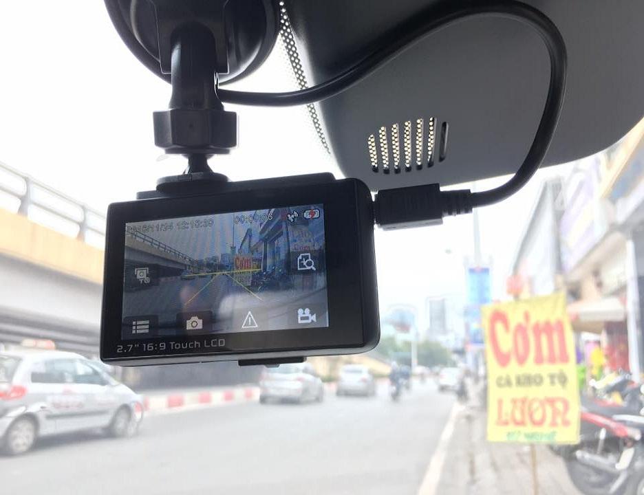 Camera hành trình X5 Ordro Wifi GPS có khả năng cảnh báo va chạm sớm