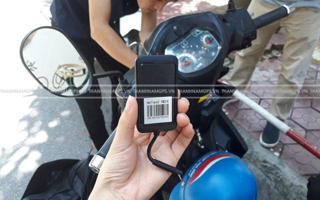 thiết bị định vị xe máy chống trộm Wetrack 2