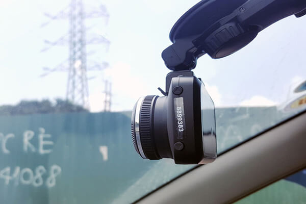hình ảnh lắp đặt thực tế camera hành trình tại Thành Nam GPS