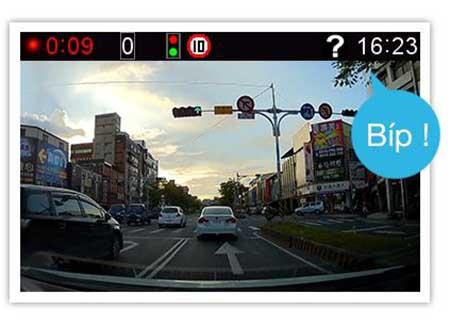 camera hành trình ô tô Gosafe 790 cảnh báo khi xe di chuyển
