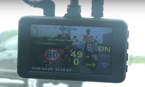 s8 plus có khả năng ghi hình trước sau cùng lúc