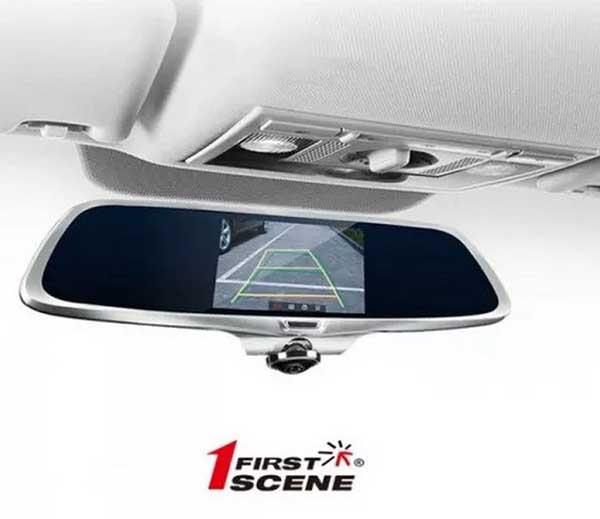 camera lùi hỗ trợ các thao tác lùi và đậu đỗ xe của tài xế