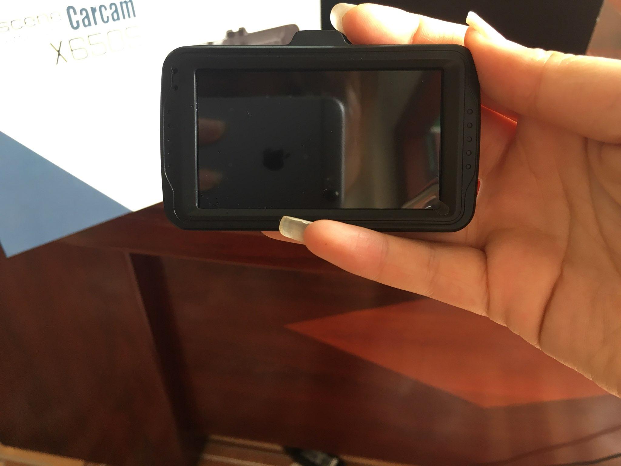 sử dụng carcam x650s bạn sẽ không phải lo bị đày thẻ nhớ