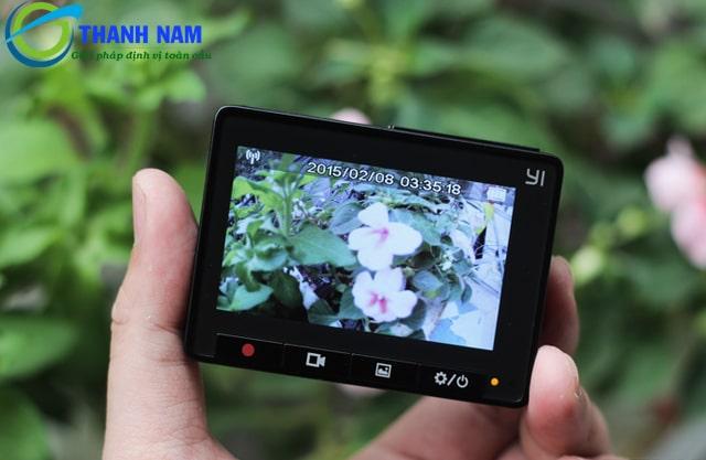camera hành trình giá rẻ màn hình 2.7 inches xiaomi yi 2