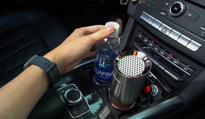 thiết kế nhỏ gọn và siêu tiện dụng của máy lọc không khí ô tô webvision a8