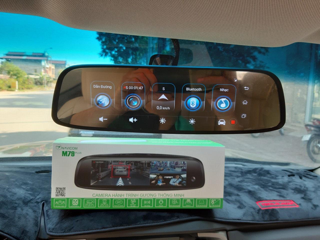 lắp đặt camera hành trình gương navicom m79 plus