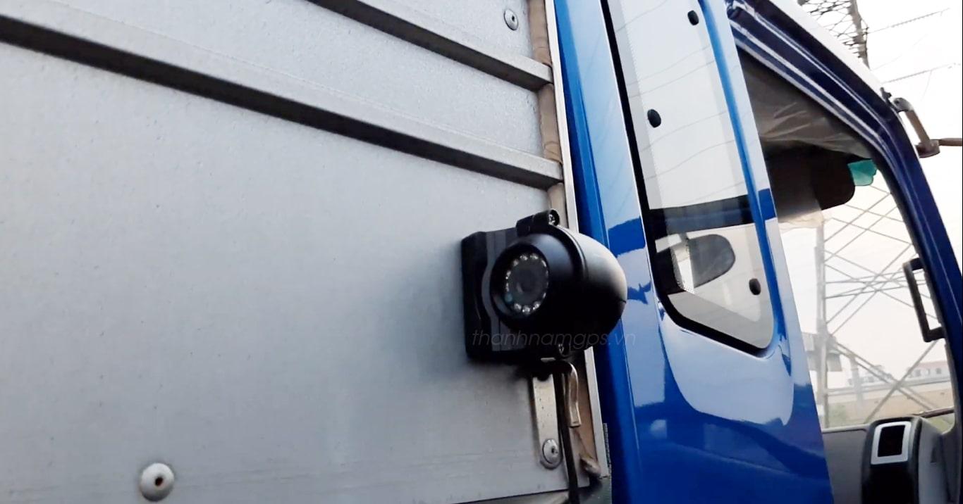 camera hành trình ghi hình sườn xe navicom s20