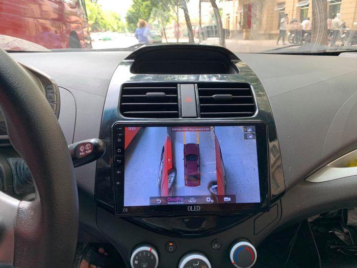 quan sát toàn cảnh xung quanh xe với màn hình dvd liền camera 360 độ