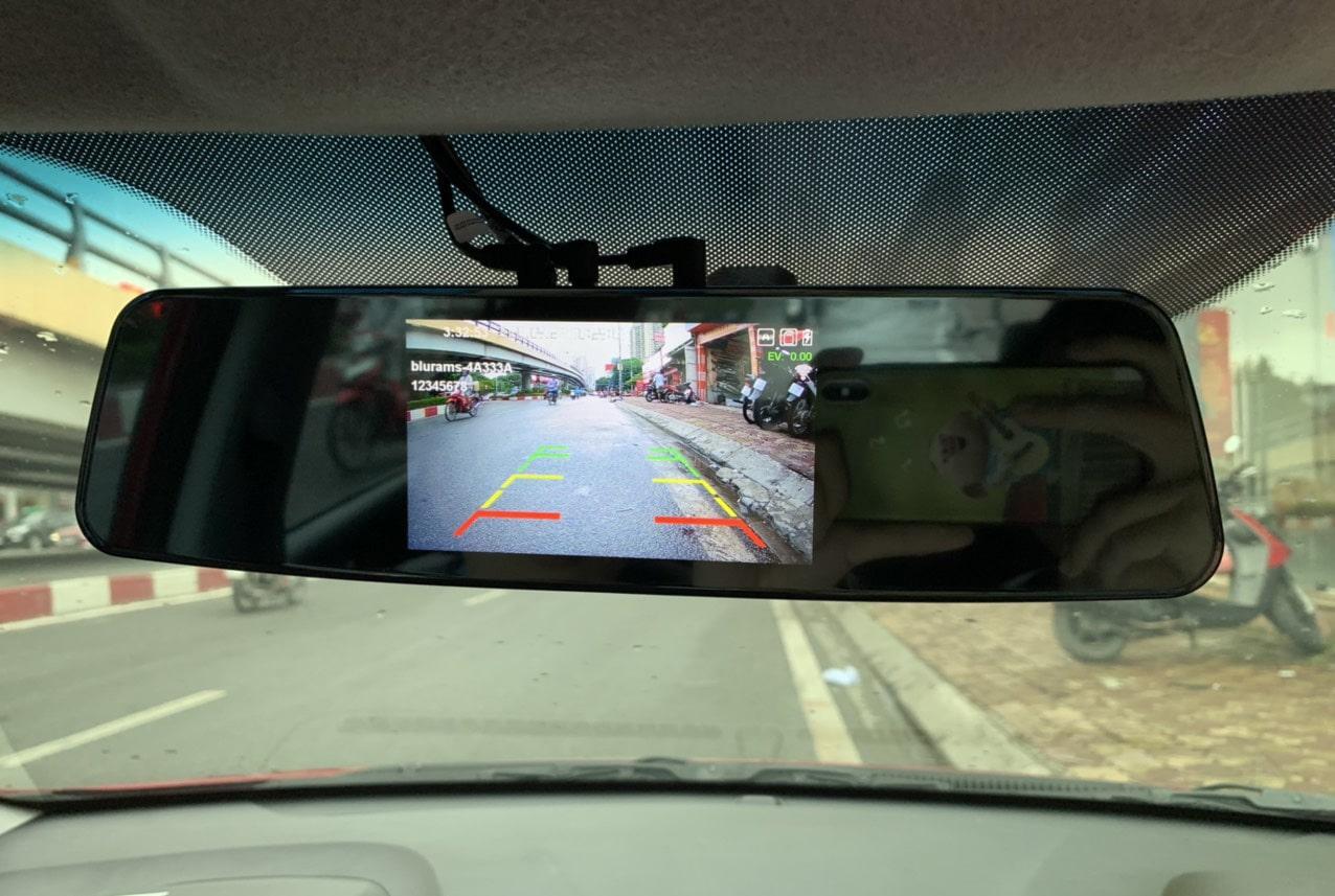 lắp đặt camera hành trình ô tô blurams